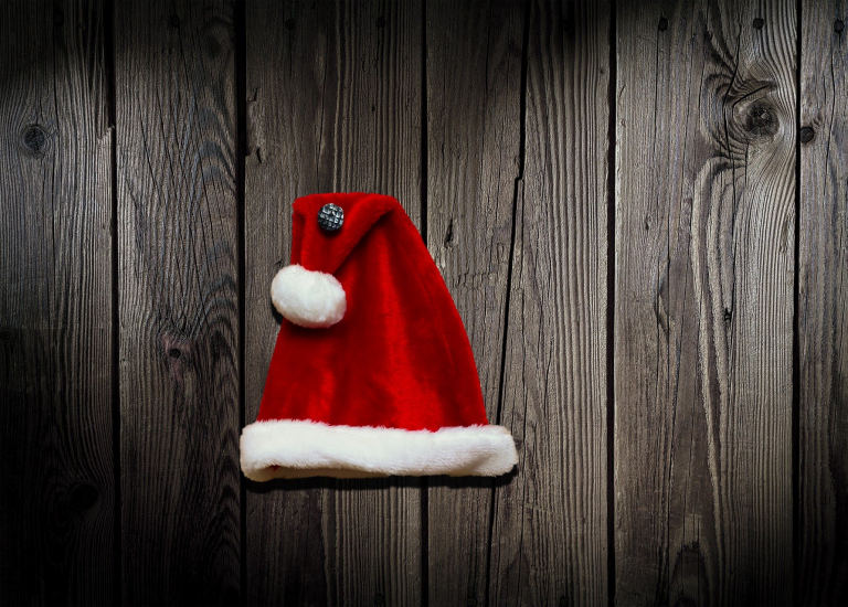 https://stjohnsgardencentre.co.uk/wp-content/uploads/2020/11/Santas-Hat_768x550_acf_cropped.jpg
